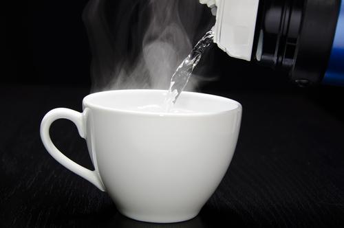 温めたお湯を飲むだけ