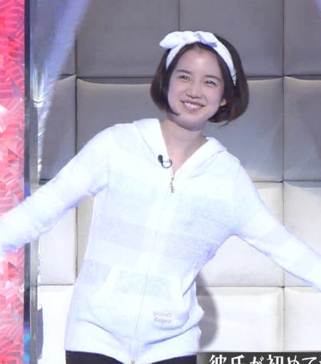 「私服センスなし女 決定戦」での弘中綾香アナの私服姿③