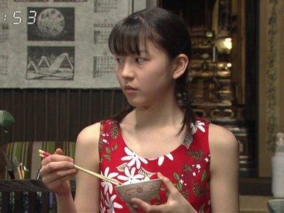 2002年、NHK連続テレビ小説『さくら』に出演
