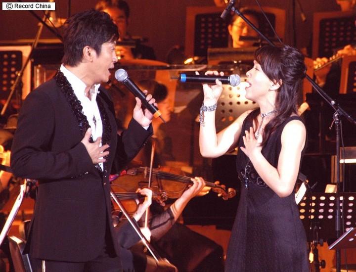 2007年11月14日、「日中国交35周年記念コンサート」に出演。