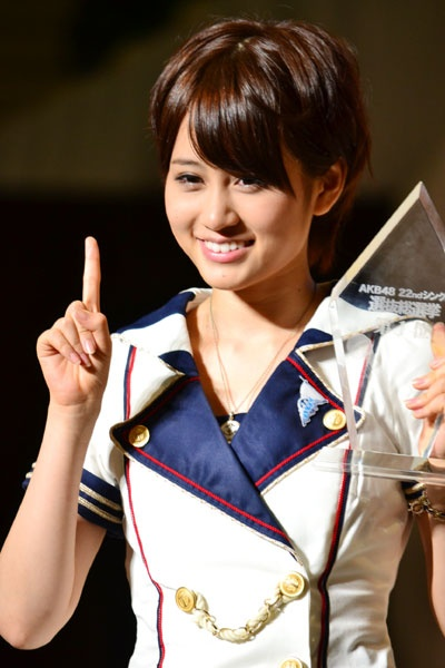 22ndシングル選抜総選挙で1位に輝いた時の前田敦子