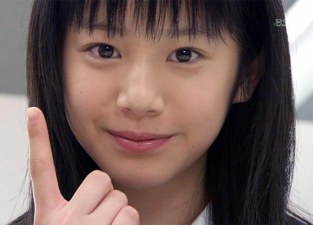 11代目リハウスガール時代の夏帆さん(当時12歳頃)