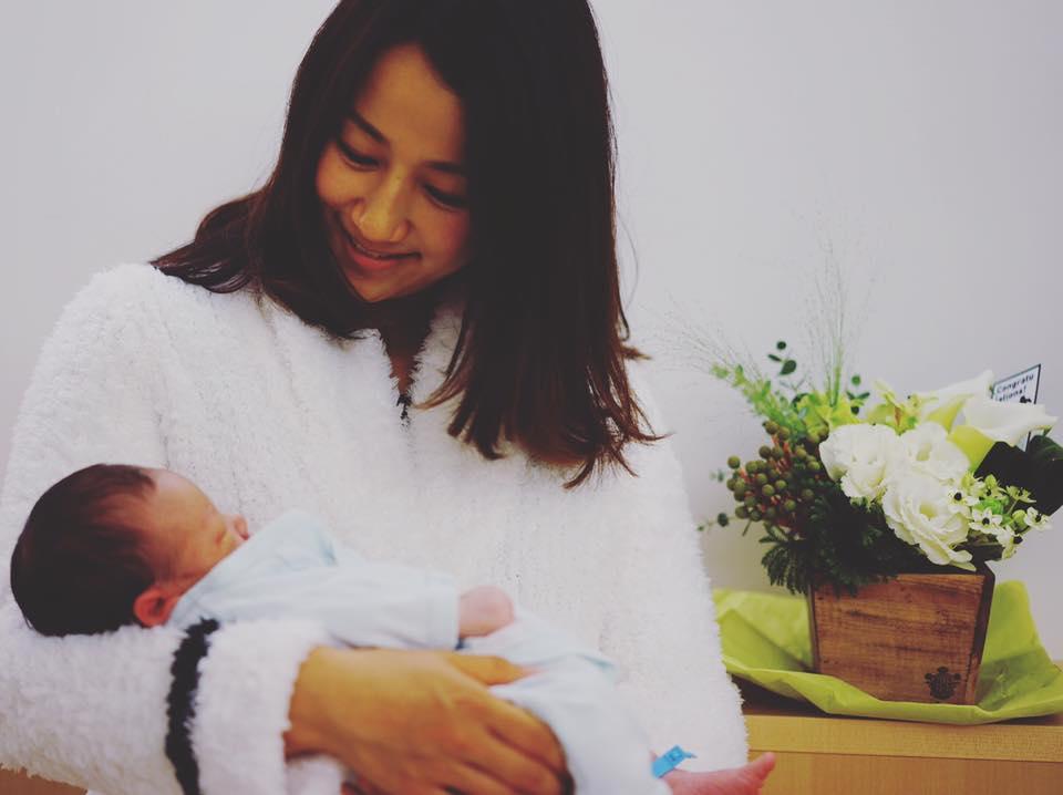 前田有紀さんと第1子の長男