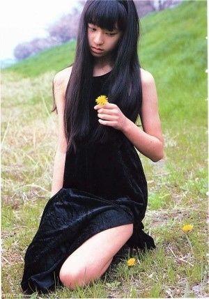 黒のドレス姿にドキドキ…