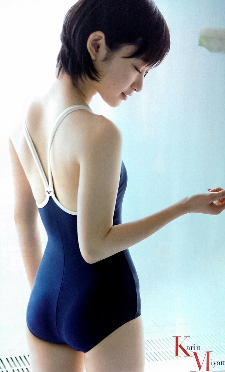 生駒里奈さんの水着