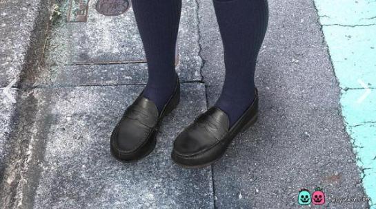 2015年版のSayaの靴と靴下