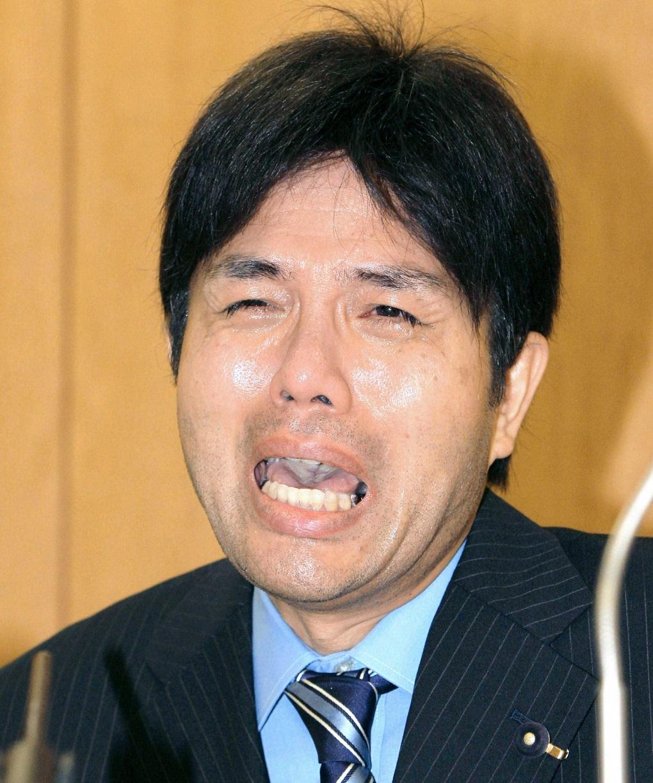 記者会見時の野々村竜太郎さん