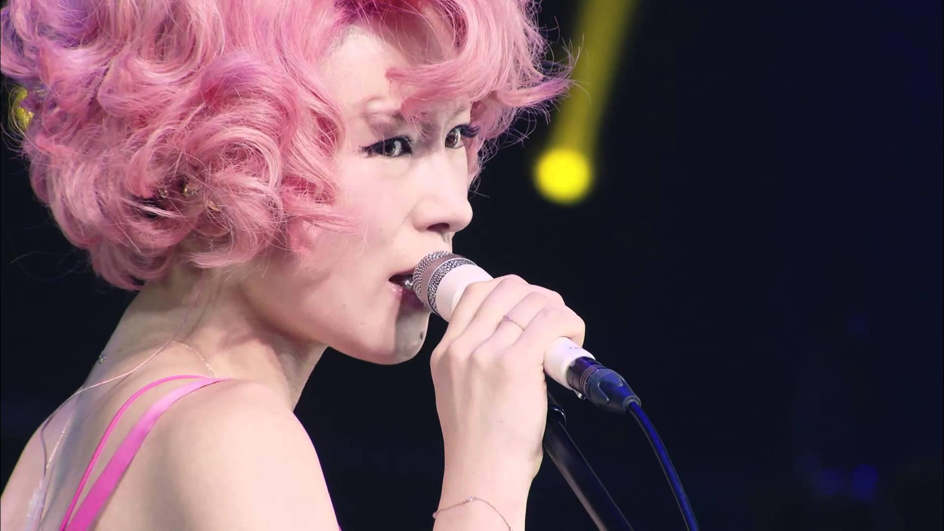 ショートカット×ピンクパーマ