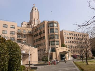聖路加国際病院に通院し放射線治療・抗がん剤治療を受ける