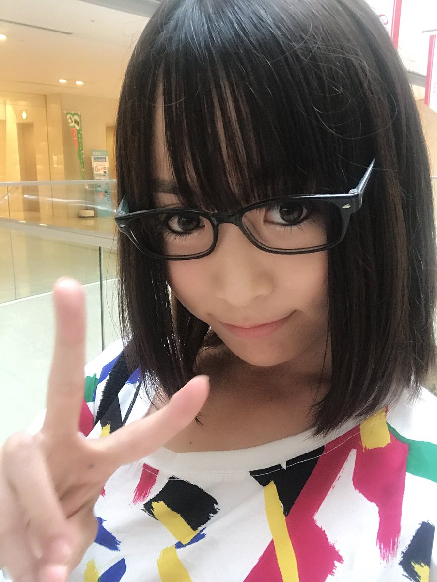メガネが可愛いアイドル系女子プロレスラー