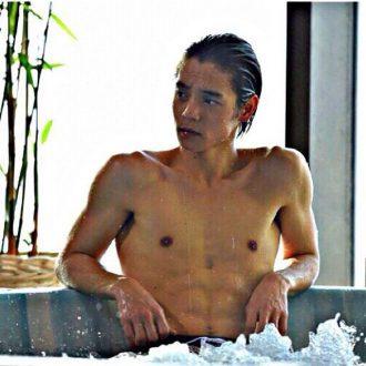 「窪田正孝 筋肉」の画像検索結果